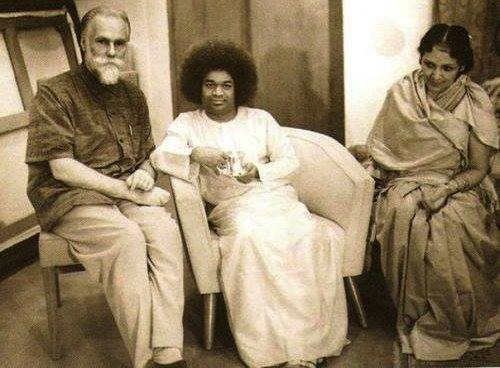 Svetoslav & Devika Rani Roerich with Sathya Sai Baba -Voice of the Ashtar Command on BBS RADIO