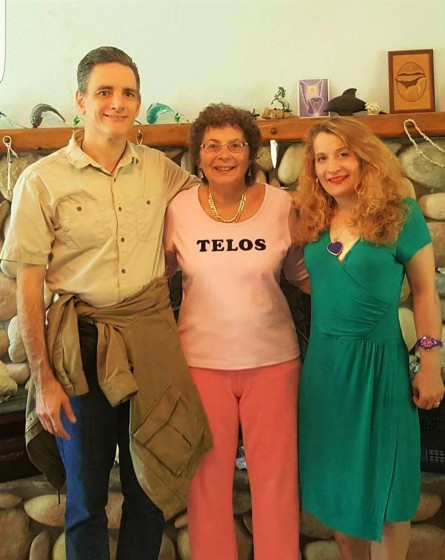 Det David,Love, Dr Lana Love, & Hollow Earth Author Dianne Robbins in Mt Shasta