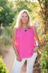 Jennifer Elizabeth Masters in the desert of California