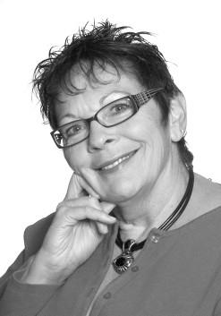 Leslie McIntosh - BCHt, CBHt, CI, Hypnotherapist, Regression Therapist, Cognitive Behavior Hypnotherapist, Instructor, Hypnotist and Hypnosis Trainer