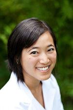 Phyllis Kung, Acupuncturist, Adjunct Professor, Oriental Medicine Practitioner and Runner