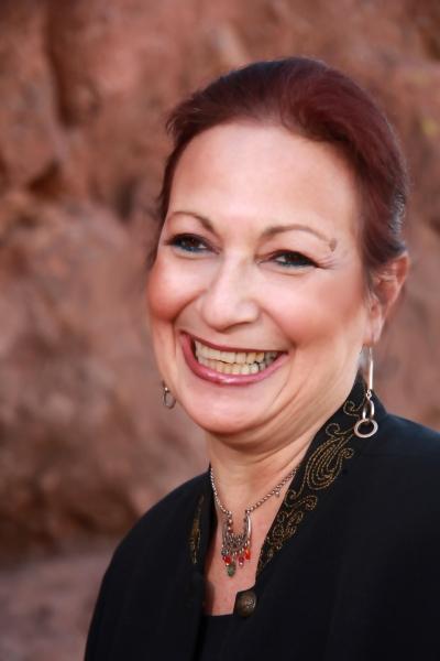 Intuitive Lauren Weiss