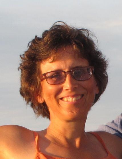 Dr Laura Derr
