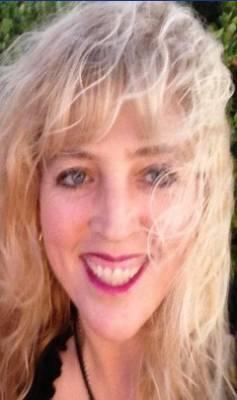 World renowned psychic/medium Shannon Leischner