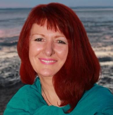 Rev Stephanie Clarke
