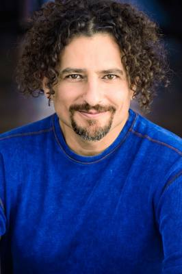 David Wolfe is one of the top health and nutrition experts today. Mr. Wolfe has 25+ years of experience in the health and wellness arena and has hosted 3000 live events.  Wolfe is the celebrity spokesperson for the NutriBullet.