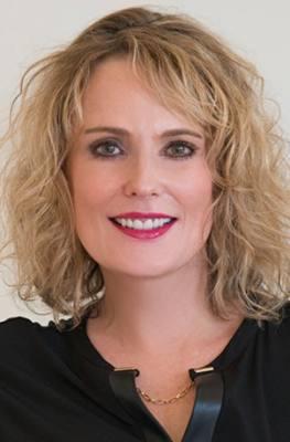 Julie Loewenstine
