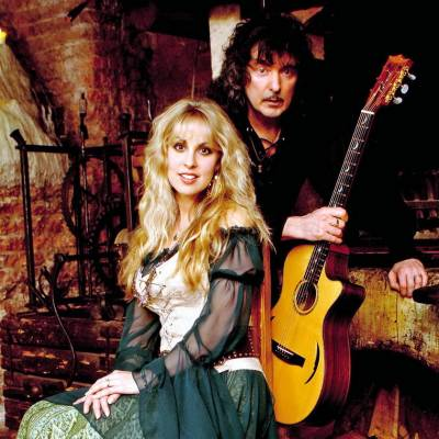 Blackmore's Night Enchanted Songstress Candice Night