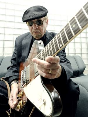 Detroit Motown Legend Dennis Coffey Special Guest on Interviewing the Legends